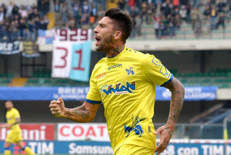 """La Gazzetta annuncia: """"Inglese e Castro dal 1′ contro il Genoa"""". Così cambia il Chievo"""