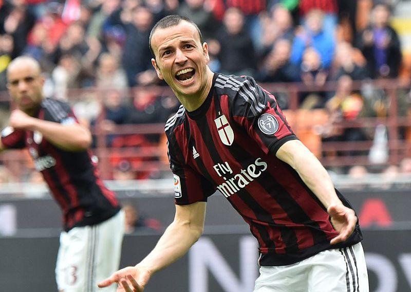 Milan, infortunio per Antonelli: che tegola! Il terzino resterà fuori un mese
