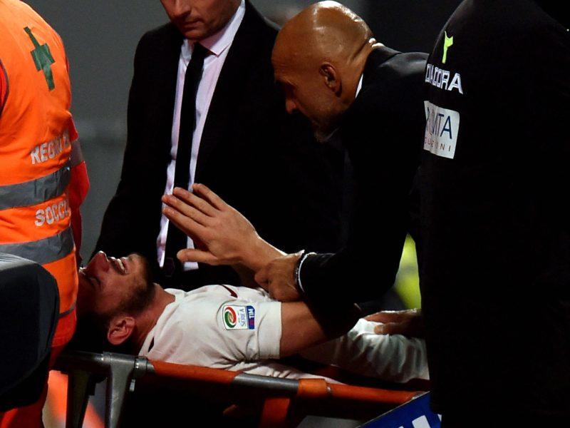 """Florenzi, il medico: """"Ci spero, non credo crociato rotto!"""" Spalletti: """"Non mi lasciava la mano"""""""