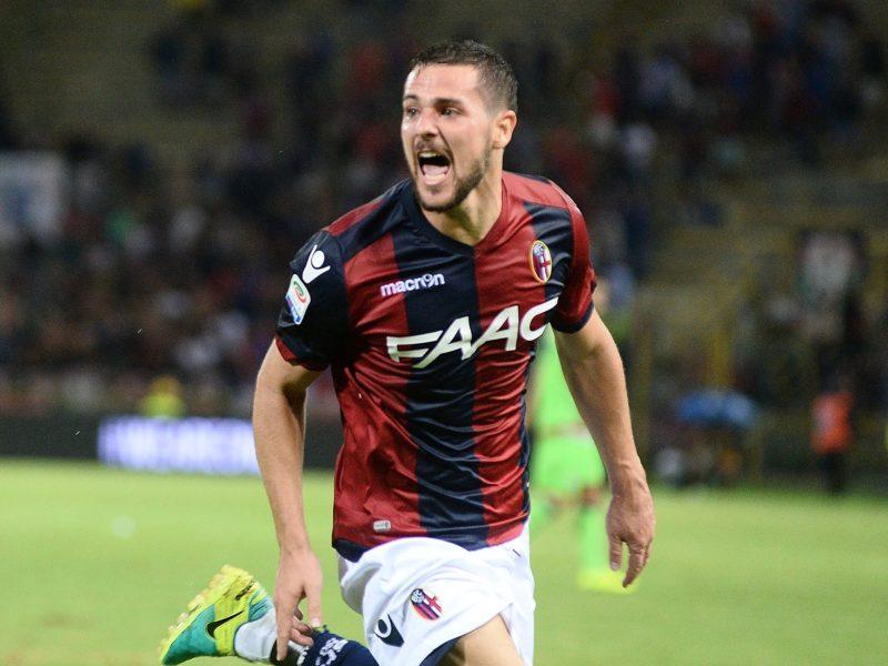 Bologna, infortunio per Destro: problema alla spalla, l'attaccante non si allena