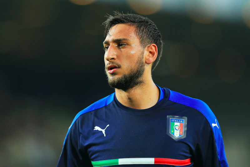 Milan, chiesti due portieri per rispondere a Raiola: alta tensione su Donnarumma