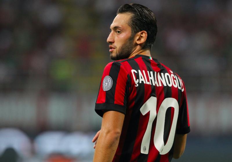 Milan, da Zapata a Calhanoglu e André Silva: decisa la formazione per l'Europa League