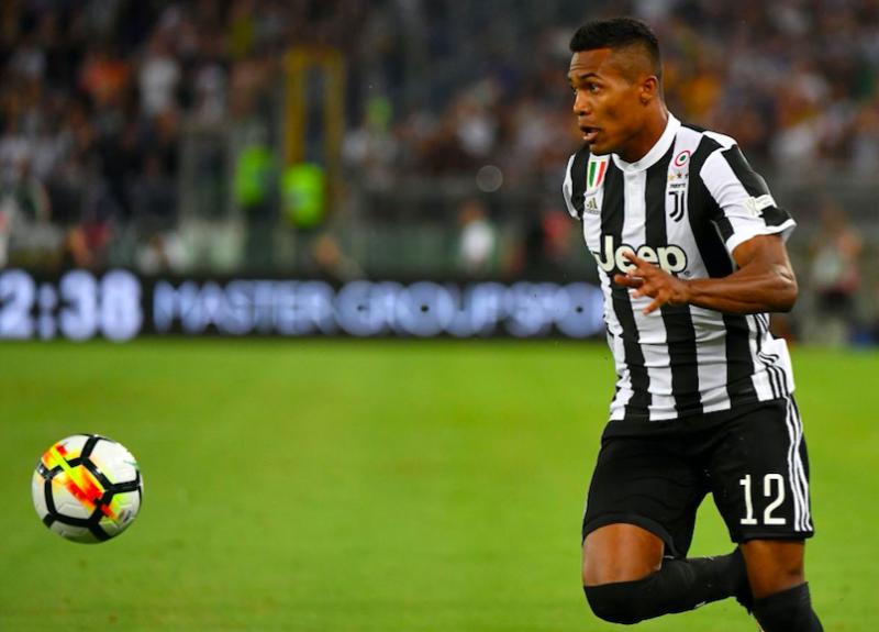 """Juve, Gazzetta durissima: """"Douglas è scollegato, Alex Sandro: non è possibile! Insopportabile Higuain"""""""