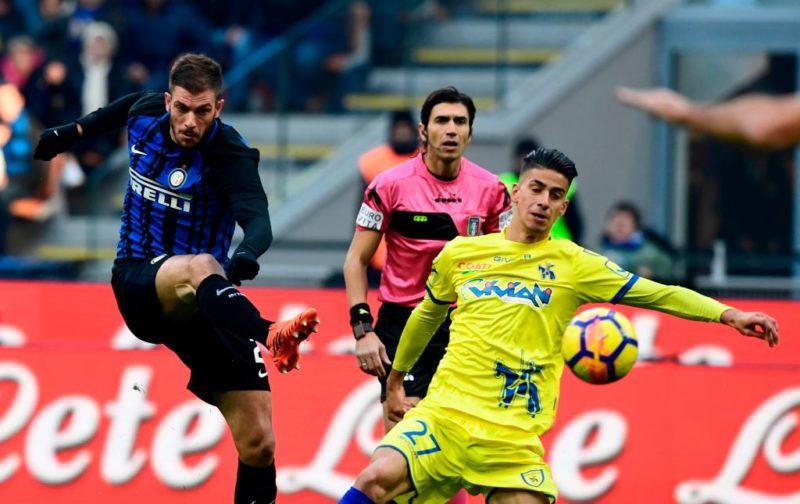 Inter, la scalata di Santon: Spalletti spiega perché non giocano Nagatomo e Dalbert
