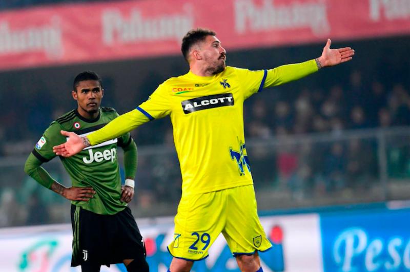 """Sky: """"Cacciatore lascia il Chievo ma niente Perugia: rimane in Serie A"""""""