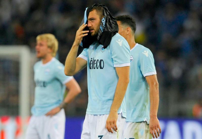 De Vrij, gesto a sorpresa per i compagni dopo Lazio-Inter e le polemiche per il rigore