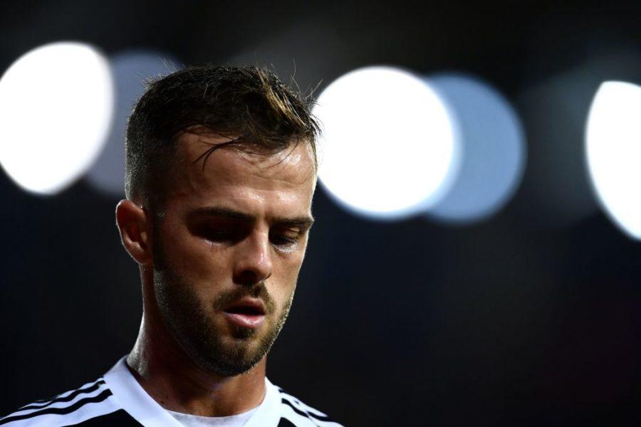 Juve, si ferma Pjanic: problema muscolare in nazionale, contro la Spal…
