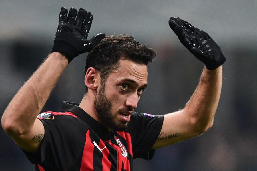 """Calhanoglu, il Milan non è contento. La Gazzetta: """"Esiste il rischio cessione"""""""