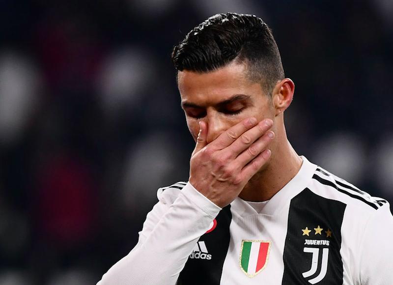 🎥 VIDEO – Cristiano Ronaldo inedito: al 90′ di Juve-Ajax fa segno di chi se l'è fatta addosso!