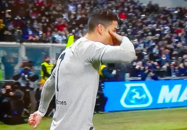 ? FOTO – Juve, Cristiano Ronaldo e quel gesto per Dybala dopo il gol