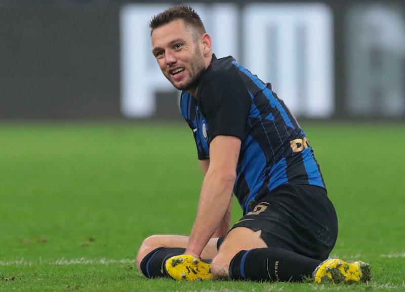 """De Vrij, problemi di pubalgia? Il medico dell'Inter: """"Speriamo di riaverlo sano"""""""