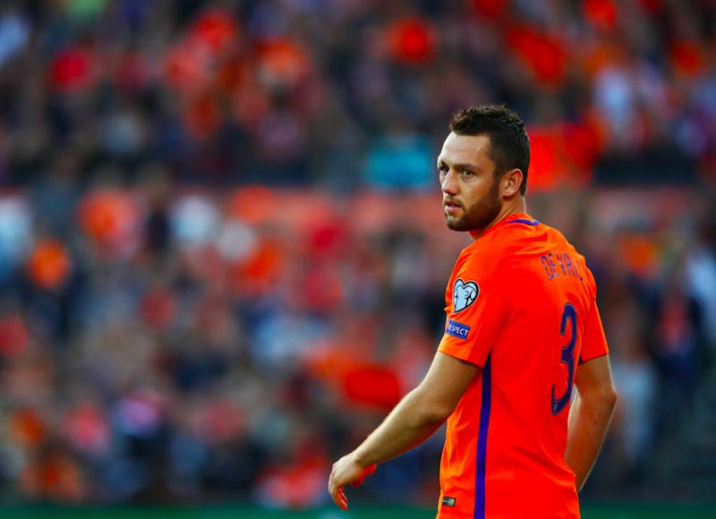 De Vrij, l'Olanda non rischia per il suo infortunio: spedito ancora in tribuna