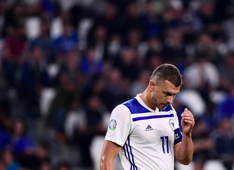 """Dzeko, la Gazzetta: """"La Roma chiede di avere Esposito, l'Inter ha fretta"""""""