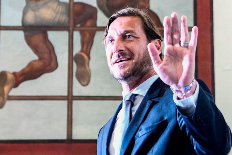"""Borriello: """"Vi rivelo che una società ha fatto un'offerta a Totti per tornare a giocare"""""""