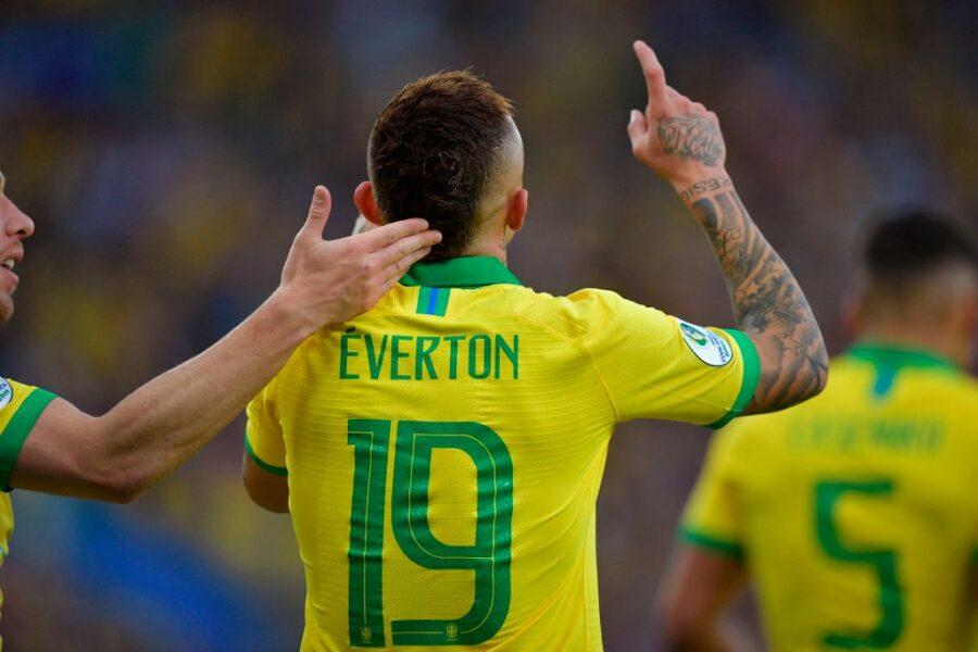 """Milan, la Gazzetta rivela: """"La verità per la questione Everton per l'attacco"""""""