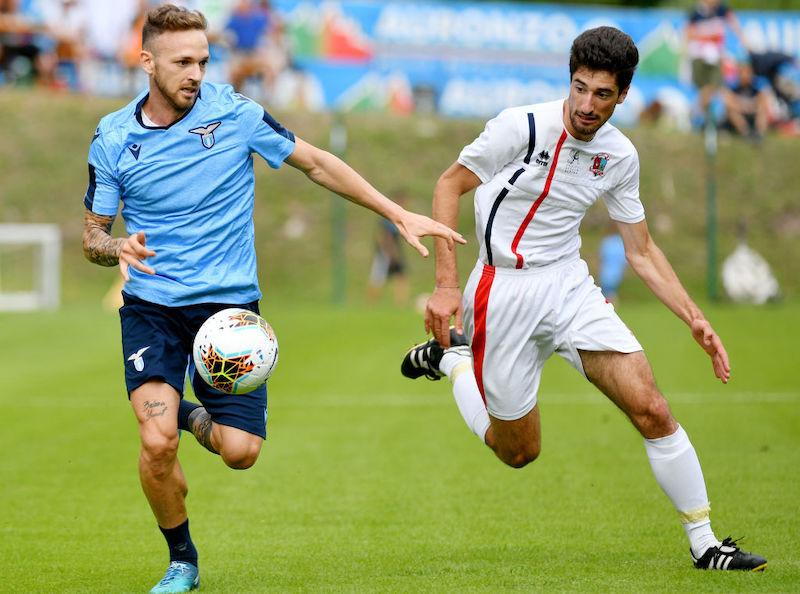 Infortunio Lazzari, niente rischi per il derby: quando tornerà in campo