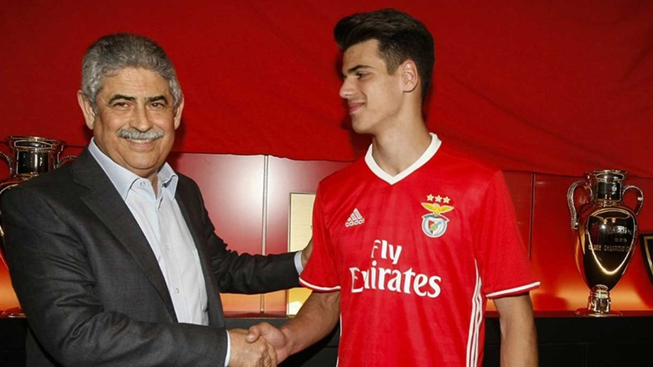 """Sky: """"La Juve chiude uno scambio col Benfica: arriva Ferreira, terzino da 12 milioni"""""""