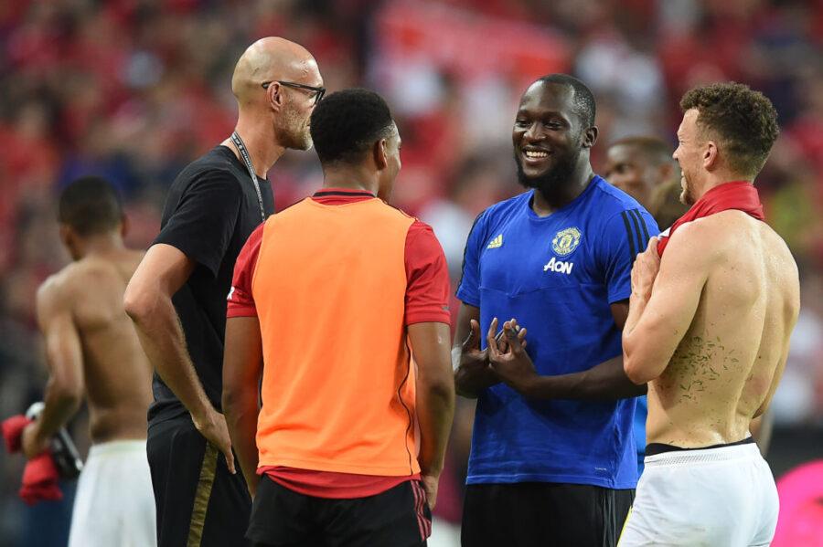 Retroscena Lukaku: beccato fuori dallo stadio con una maglia dell'Inter