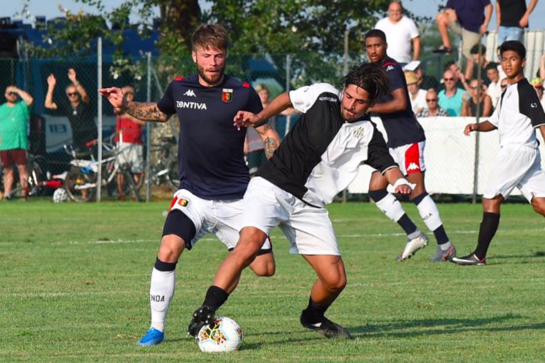 È subito Lasse Schone: prima punizione in partitella col Genoa, dritta in gol!