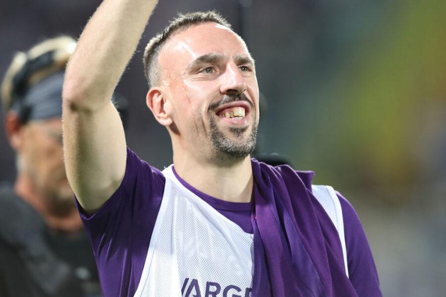 Retroscena Ribery: torna a casa in centro a Firenze, trova i tifosi e si blocca la strada