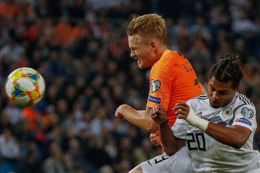 VIDEO – De Ligt da incubo: due errori nella stessa azione, l'Olanda prende gol
