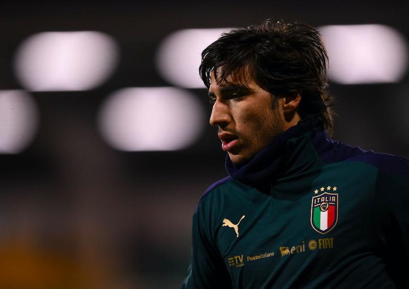 """""""Viene da me o dorme in piedi"""": va da Totti o no? Tonali ha preso la sua decisione"""