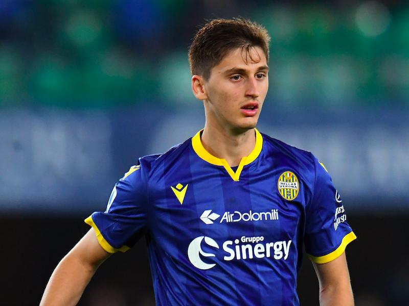 Il Verona perde Kumbulla: fuori contro il Brescia per un infortunio muscolare