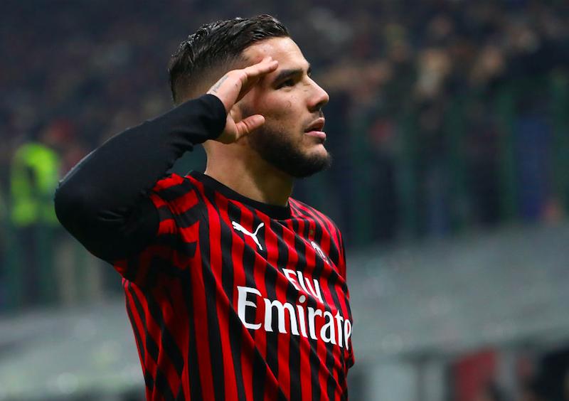 Tre squalifiche pesanti per il Milan: i cartellini costano caro a Ibra e Theo Hernandez