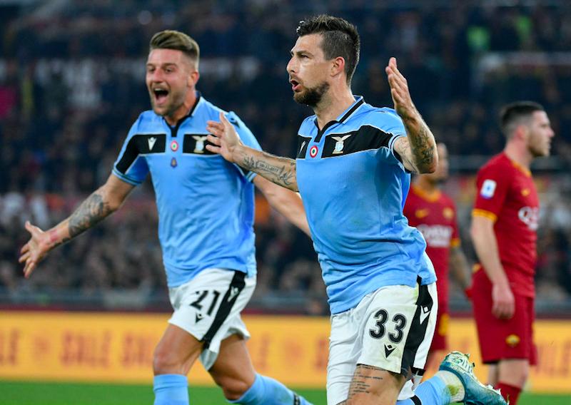 """Lazio, la Gazzetta: """"Rischio rottura dietro l'angolo per Acerbi. Non ne parlerà con Inzaghi"""""""