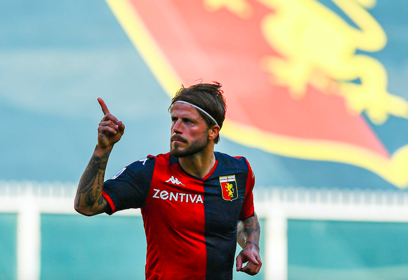"""Gazzetta: """"Allarme Covid in Serie A! I positivi del Genoa, allerta Napoli e ora si rischia…"""""""
