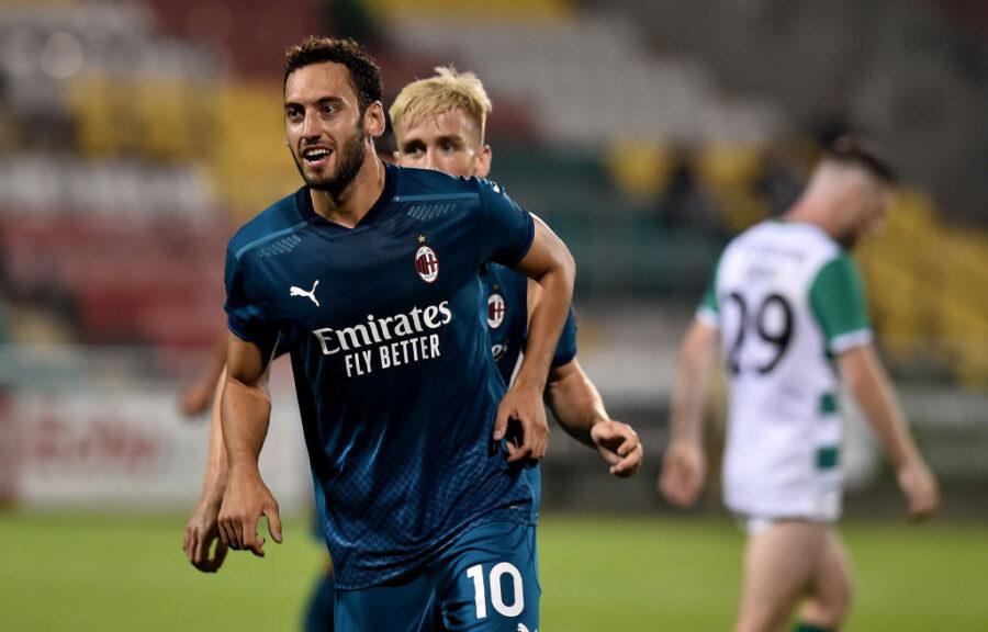 Milan furioso per Calhanoglu: il suo agente lo ha offerto a Juventus e Inter a zero