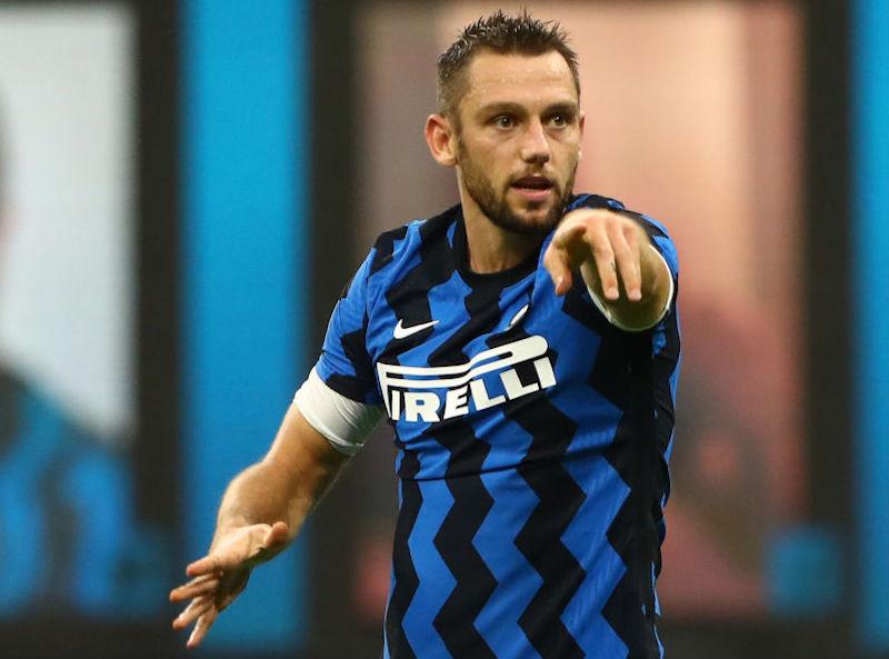 Inter, chi gioca e chi starà fuori? De Vrij, Perisic out e l'idea Sanchez: i cambi di Conte