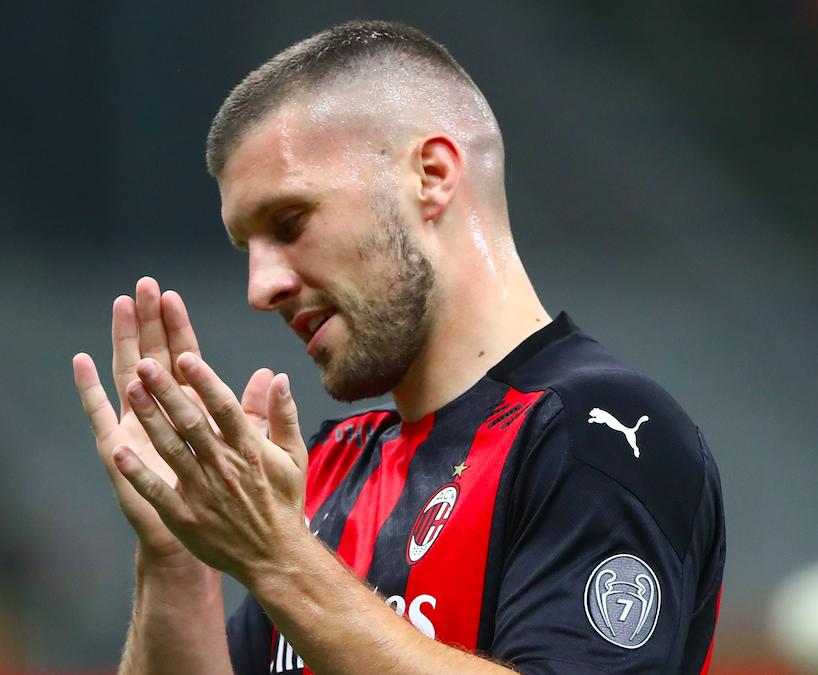 Milan, l'infortunio al gomito tiene ancora ai box Rebic: salta il derby e non solo