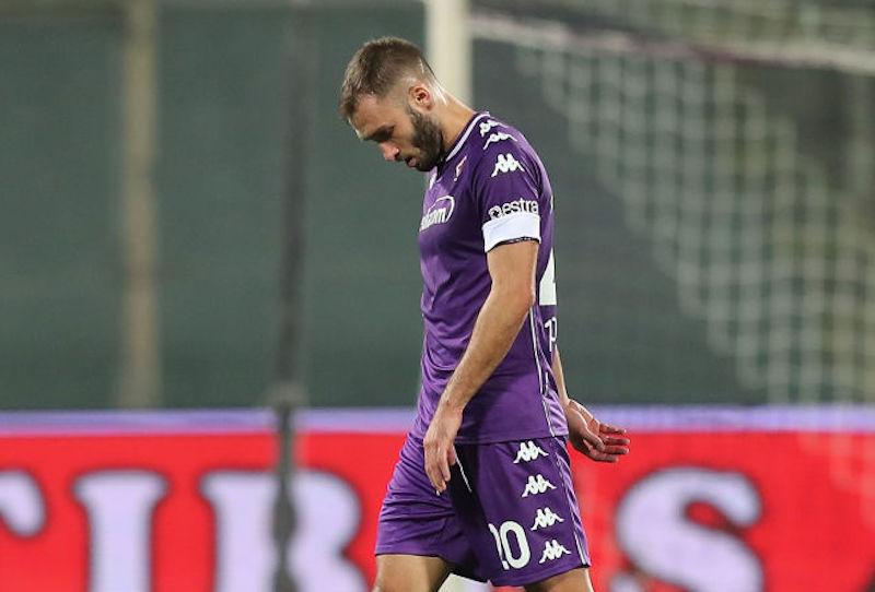 Fiorentina, si ferma Pezzella: fuori per infortunio contro il Cagliari