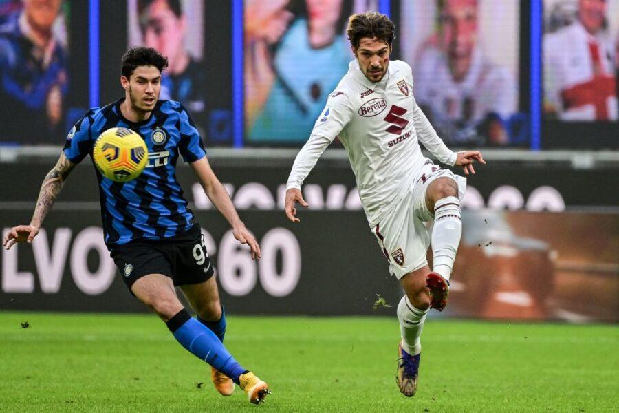 Torino, Verdi è sostituito contro l'Inter: problema muscolare per il trequartista