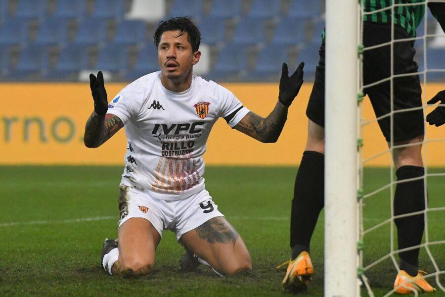 Benevento, il dubbio sulla difesa a tre e la decisione su Lapadula: la probabile formazione