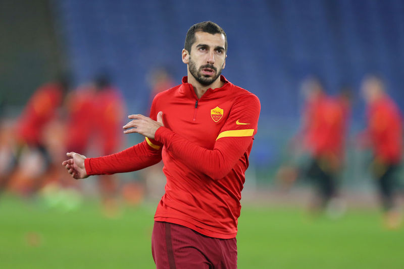 Roma, l'Ajax si avvicina: le novità per Mkhitaryan e Smalling dopo l'allenamento