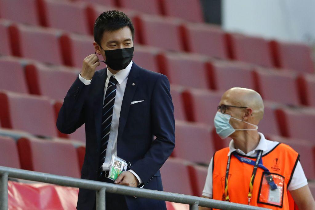"""Inter, la Gazzetta: """"Zhang ordina le cessioni, occhio ai grossi stipendi. L'incontro con Conte…"""""""