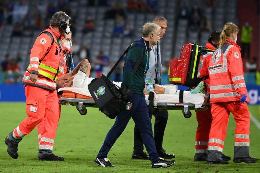 FLASH – Infortunio per Spinazzola: fuori in barella contro il Belgio, esce in lacrime
