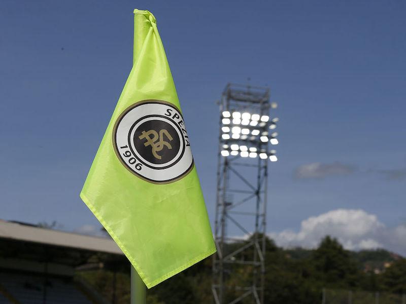 Focolaio nello Spezia: allenamenti sospesi, ci sono sei calciatori positivi al Covid