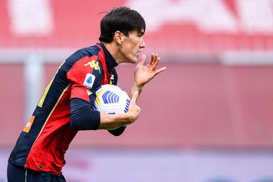 Shomurodov lascia il segno, uno stop in difesa e il modulo: tutto sul 5-0 del Genoa