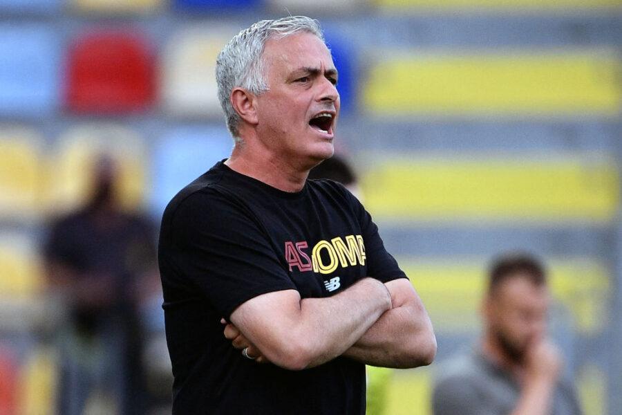 """Mourinho: """"C'è un gioco che è un incubo, i calciatori non dormono per questa str…"""""""