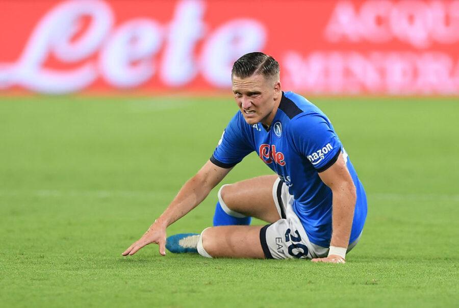 UFFICIALE – Infortunio Zielinski, ecco la prima diagnosi del Napoli e i tempi di recupero