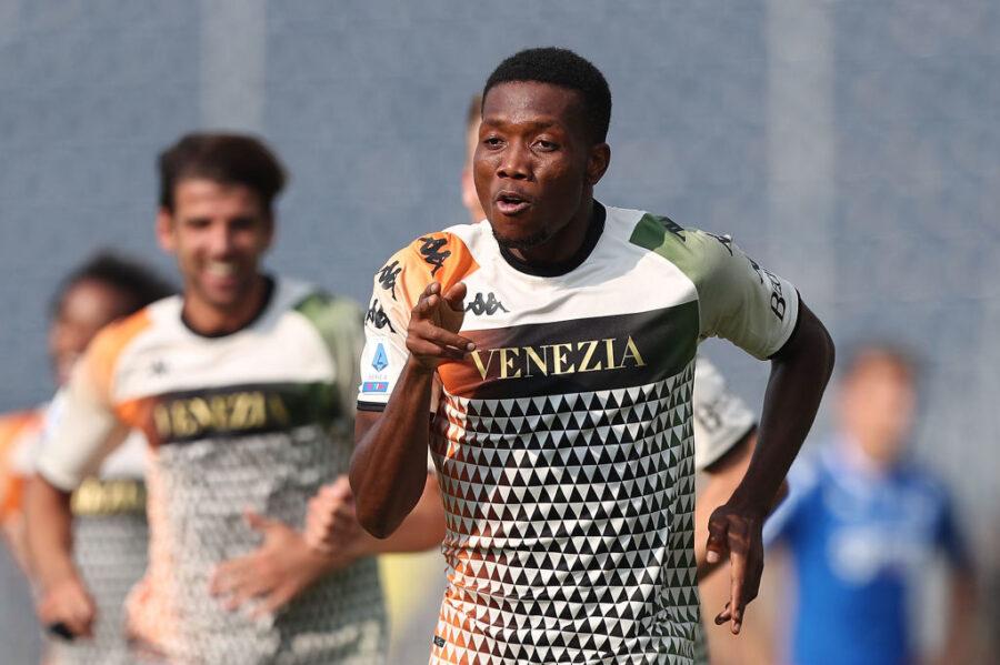 I cambi di formazione nel Venezia contro il Torino: cosa filtra su Henry, Busio e Okereke