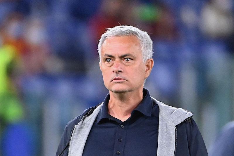 """Mourinho: """"Pellegrini, rosso ridicolo! Faremo di tutto per averlo nel derby, ma non so…"""""""