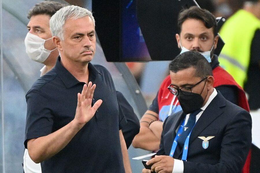 """Mourinho: """"Zaniolo affaticato!"""". Poi si infuria e lascia così la conferenza: cos'è successo"""